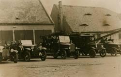 OF Limbach Fahrzeuge im Rittergut um 1930